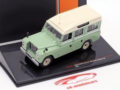 Land Rover Series II 109 Station Wagon 4x4 Baujahr 1958 hellgrün / beige 1:43 Ixo
