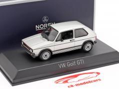Volkswagen VW Golf GTI Byggeår 1976 sølv 1:43 Norev