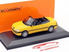 Peugeot 306 Cabriolet Bouwjaar 1998 geel 1:43 Minichamps