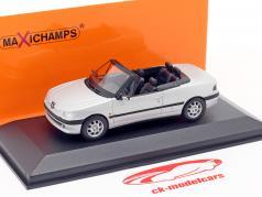 Peugeot 306 Cabriolet Bouwjaar 1998 mat zilver 1:43 Minichamps