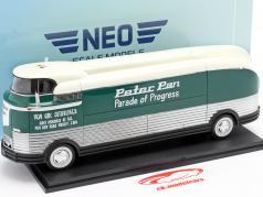 GM Futurliner year 1941 Parade of Progress dark green / white 1:43 Neo