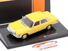 Mercedes-Benz 450 SEL (W116) Bouwjaar 1975 geel 1:43 Ixo