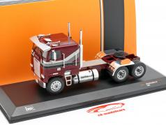 Freightliner FLA Camion Année de construction 1993 sombre rouge métallique 1:43 Ixo