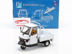Piaggio Ape Cross 50 blanco 1:18 New Ray