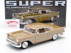 Oldsmobile Super 88 Bouwjaar 1957 goud metalen 1:18 GMP