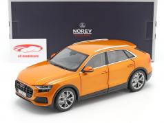 Audi Q8 (4M) Byggeår 2018 orange metallisk 1:18 Norev