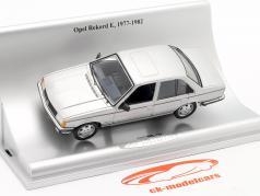 Opel Rekord E Byggeår 1977-1982 sølv metallisk 1:43 Schuco