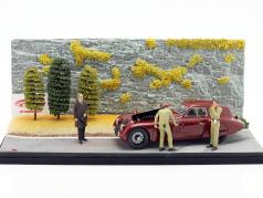 Diorama Road Service Alfa Romeo 8C 2900B 1938 dark red With Showcase 1:18 CMC