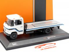 Mercedes-Benz L608 D Tow truck year 1980 white 1:43 Ixo