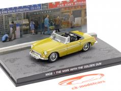 MGB James Bond Movie Car The Man with the golden gun (1974) grøn beige 1:43 Ixo