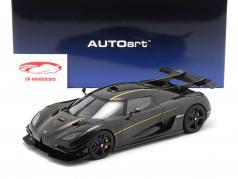 Koenigsegg One : 1 Bouwjaar 2014 koolstof / zwart / goud 1:18 AUTOart