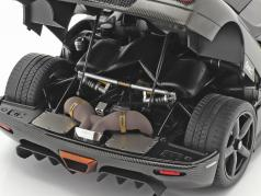 Koenigsegg One : 1 建設年 2014 炭素 / 黒 / ゴールド 1:18 AUTOart