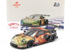 Porsche 911 RSR #56 Klasse winnaar LMGTE Am 24h LeMans 2019 Team Project 1 1:18 Spark