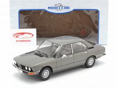 BMW 5-Series (E12) Ano de construção 1974 cinza escuro metálico 1:18 Model Car Group
