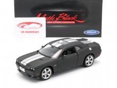Dodge Challenger SRT jaar 2013 mat zwart 1:24 Welly