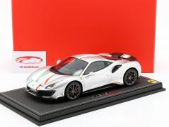 Ferrari 488 Pista Piloti Bouwjaar 2018 zilver 1:18 BBR