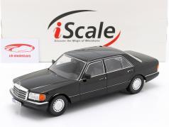 Mercedes-Benz 560 SEL S-klasse (W126) Bouwjaar 1985 zwart 1:18 iScale