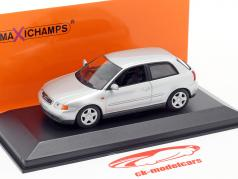 Audi A3 (8L) 建設年 1996 銀 1:43 Minichamps
