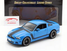 Ford Mustang Boss 302 Ano 2013 azul / preto 1:18 ShelbyCollectibles