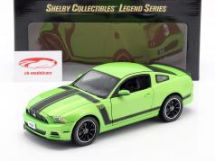 Ford Mustang Boss 302 Année 2013 vert 1:18 ShelbyCollectibles