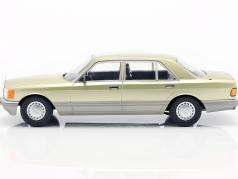 Mercedes-Benz S-Klasse (W126) 建設年 1985 アザミグリーン / グレー 1:18 iScale