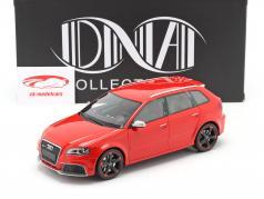 Audi RS 3 Bouwjaar 2011 rood / zwart velgen 1:18 DNA Collectibles