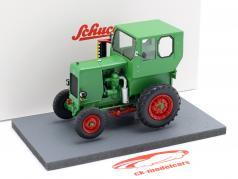 IFA RS 03 Aktivist tractor Año de construcción 1949-1952 verde 1:32 Schuco