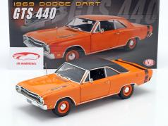 Dodge Dart GTS 440 Met Vinyl dak Bouwjaar 1969 oranje / zwart 1:18 GMP