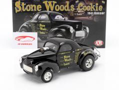 Willys Gasser Stone, Woods & Cook Bouwjaar 1941 zwart 1:18 GMP