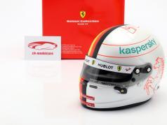 Sebastian Vettel #5 Scuderia Ferrari fórmula 1 2020 casco 1:2 Arai