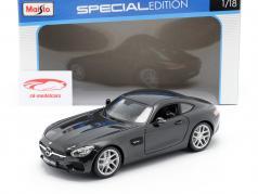 Mercedes-Benz AMG GT (C190) sort metallisk 1:18 Maisto