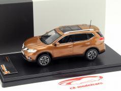 Nissan X-Trail Ano de construção 2014 laranja escuro 1:43 PremiumX / 2 escolha