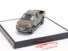Renault Alaskan Год постройки 2017 коричневый металлический 1:43 Norev