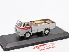 Fadisa Romeo 2 Transporter Iberia Bouwjaar 1965 zilver / Wit / rood 1:43 Altaya
