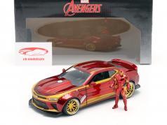 Chevrolet Camaro 2016 con figura Iron Man Marvel's The Avengers rojo / oro 1:24 Jada Toys