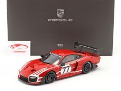 Porsche 935 基于 上 911 GT2 RS Clubsport Salzburg #77 用 展示柜 1:18 Spark