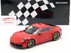 Porsche 911 (992) Carrera 4S Год постройки 2019 охранники красный 1:18 Minichamps