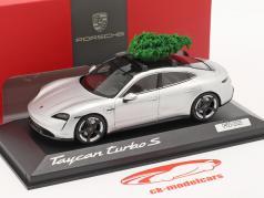 Porsche Taycan Turbo S dolomitsilber mit Tannenbaum 1:43 Minichamps