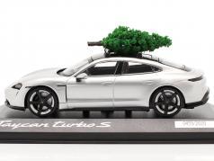 Porsche Taycan Turbo S ドロマイトシルバー と クリスマスツリー 1:43 Minichamps