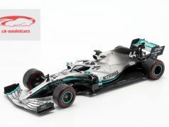 L. Hamilton Mercedes-AMG F1 W10 #44 F1 World Champion 2019 1:24 Premium Collectibles