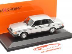 Volvo 240 GL year 1986 silver metallic 1:43 Minichamps