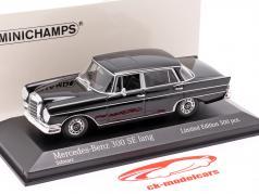 Mercedes-Benz 300 SE 長いです (W112) Heckflosse 建設年 1963 黒 1:43 Minichamps