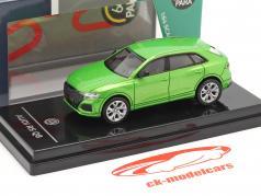 Audi RS Q8 Año de construcción 2018 Java verde metálico 1:64 Paragon Models