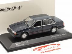 Volvo 740 GL Année de construction 1986 minuit bleu 1:43 Minichamps
