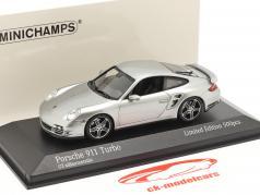 Porsche 911 (997) Turbo Año de construcción 2006 GT plata metálico 1:43 Minichamps
