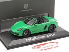 Porsche Boxster GTS 4.0 建設年 2020 パイソングリーン 1:43 Minichamps