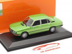 BMW 520 建設年 1974 緑 メタリック 1:43 Minichamps