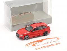 Audi RS4 Avant Ano de construção 2018 vermelho 1:87 Minichamps