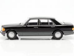 Mercedes-Benz 560 SEL Classe S (W126) Ano de construção 1985 Preto / cinzento 1:18 iScale
