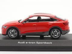 Audi e-tron Sportback Ano de construção 2020 catalunya vermelho 1:43 iScale